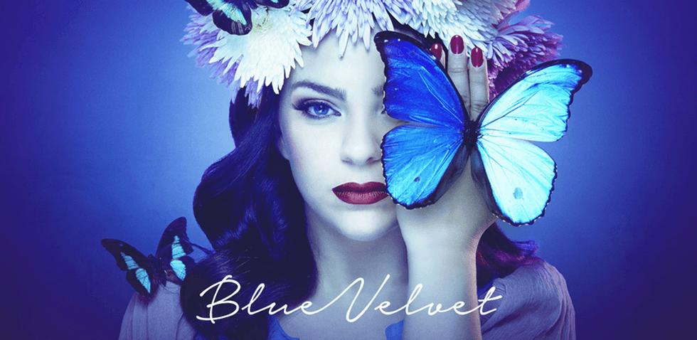 Blue Velvet De Caroline Costa